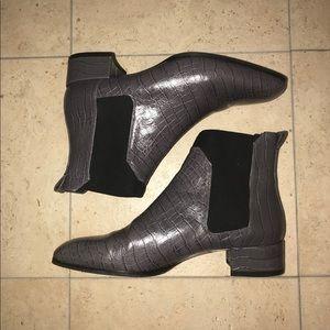 Brand new Massimo Dutti faux snake-skin boots